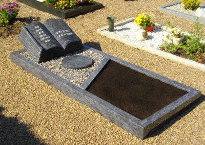 Grabdenkmal_002