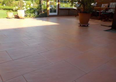 Bodenplattenverlegung