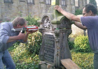 Restaurierungsarbeiten Friedhof Sülbeck