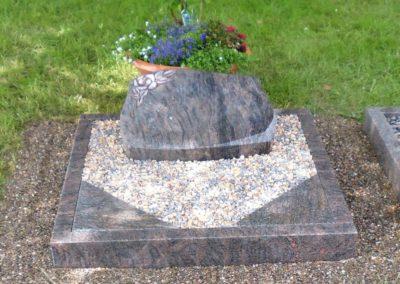 Urnengräber Granit 0021