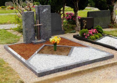 Doppelgräber Granit 0060