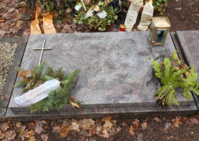 Urnengräber Granit 0034