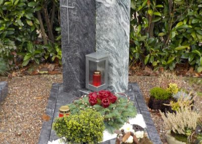 Urnengräber Granit 0035