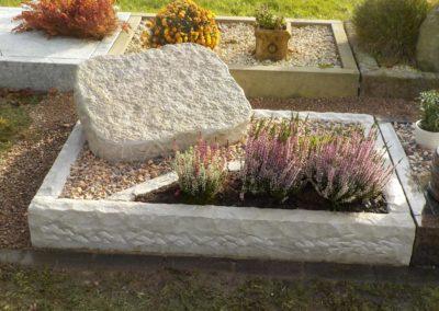 Urnengräber Sandstein 002