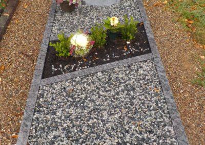 Einzelgräber Granit 002