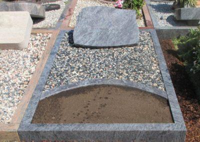 Einzelgräber Granit 007