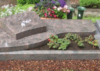 Urnengräber Granit 0081