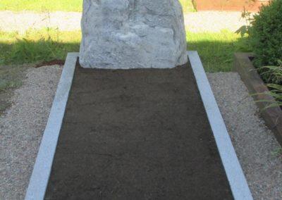 Einzelgräber Granit 0010
