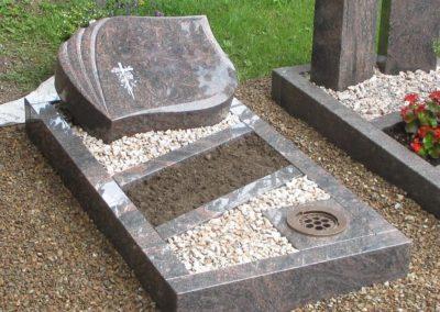 Urnengräber Granit 0095