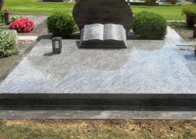Doppelgräber Granit 0069