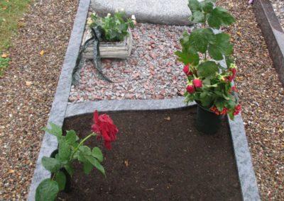 Urnengräber Granit 00109