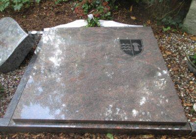 Urnengräber Granit 00115