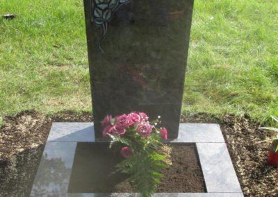 Einzelgräber Granit 0012