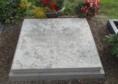 Urnengräber Granit 00121