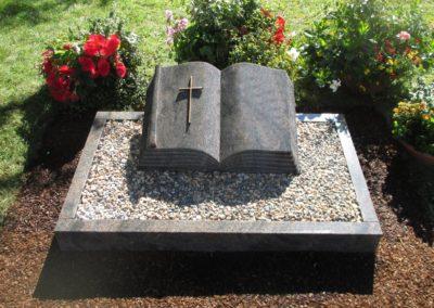 Urnengräber Granit 00123