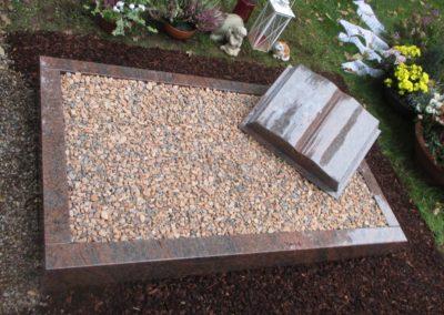 Urnengräber Granit 00129