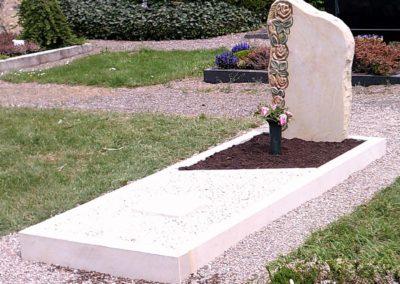 Einzelgräber Sandstein 0012