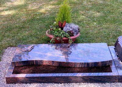 Urnengräber Granit 00146