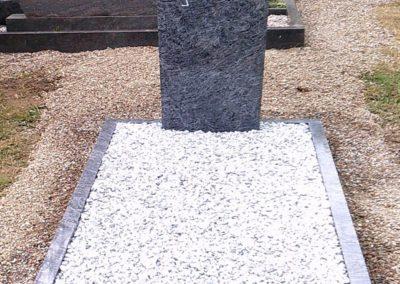 Einzelgräber Granit 0014