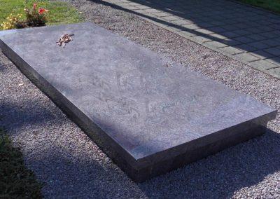 Einzelgräber Granit 0015