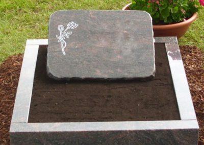Urnengräber Granit 00188
