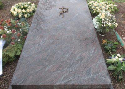 Einzelgräber Granit 0016