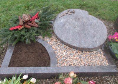 Urnengräber Granit 00194
