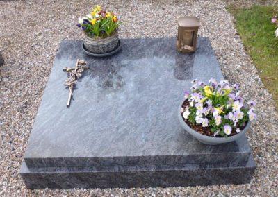 Urnengräber Granit 00205