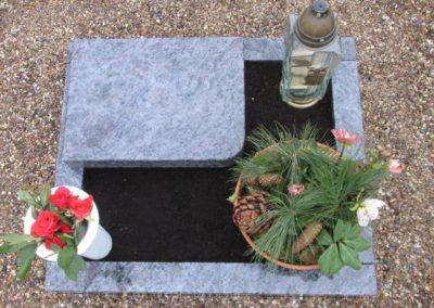 Urnengräber Granit 00209