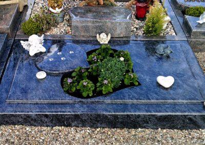 Urnengräber Granit 00220
