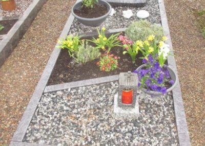 Einzelgräber Granit 0019