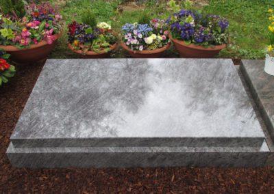 Urnengräber Granit 00223