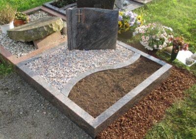 Urnengräber Granit 00226