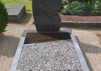 Einzelgräber Granit 0018