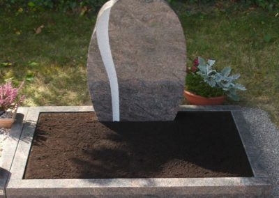 Urnengräber Granit 00262