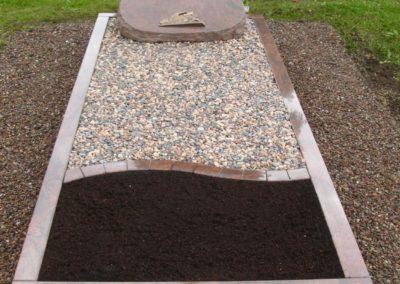 Einzelgräber Granit 0020