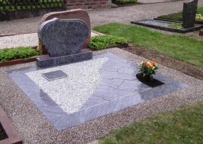 Doppelgräber Granit 0026