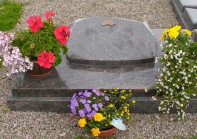 Urnengräber Granit 00319