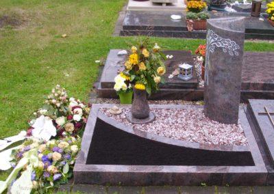 Urnengräber Granit 00324