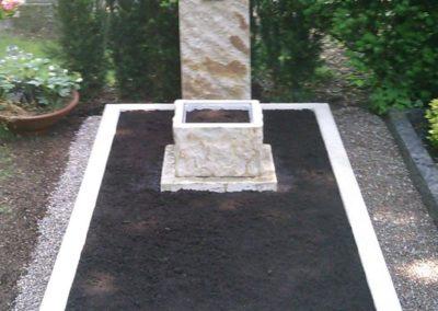 Einzelgräber Sandstein 001