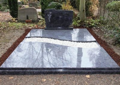 Doppelgräber Granit 0031