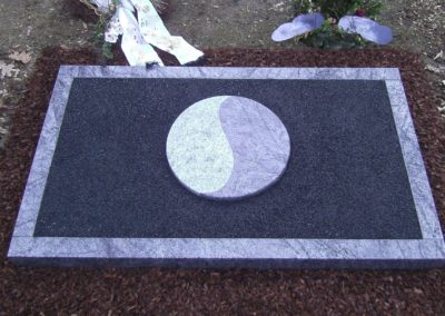 Urnengräber Granit 00326