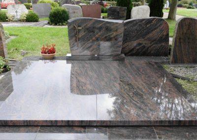 Doppelgräber Granit 0034