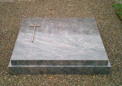 Urnengräber Granit 00