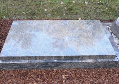 Urnengräber Granit 002