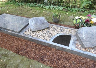 Urnengräber Granit 004