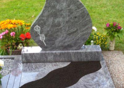Urnengräber Granit 006