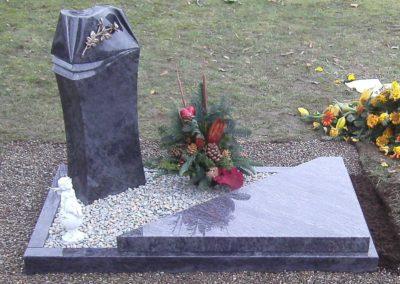 Urnengräber Granit 007