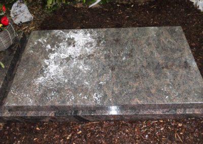 Urnengräber Granit 008