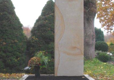 Einzelgräber Sandstein 003